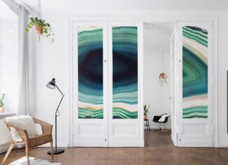 Naklejka na drzwi
